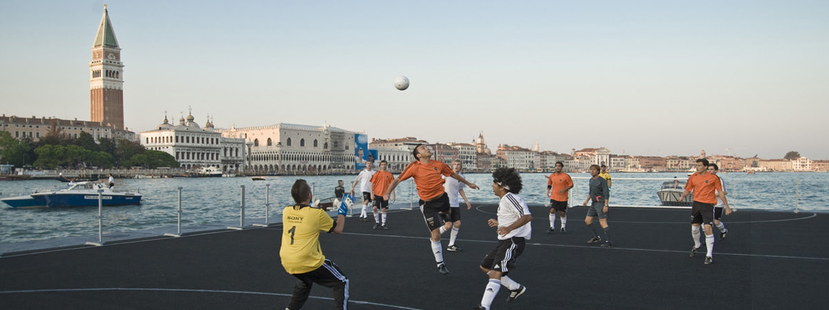 360-Degrees-Film-Sony-Twilight-Football-Venice-1